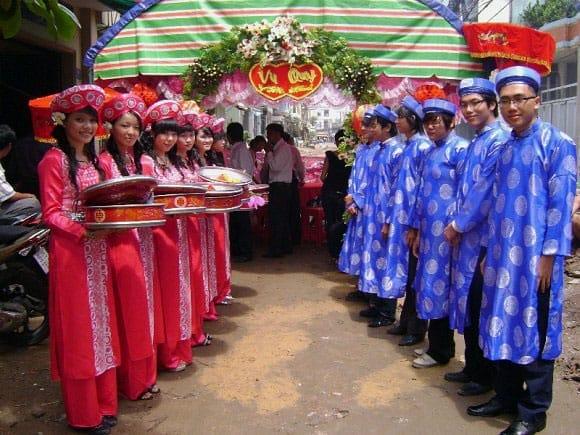 Mariage traditionnel vietnamien , Tenue mariage Vietnamienne