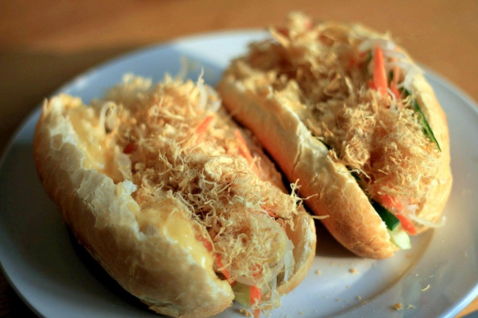 Les 8 meilleurs BANH MI (sandwhich vietnamien) du Sud au Nord