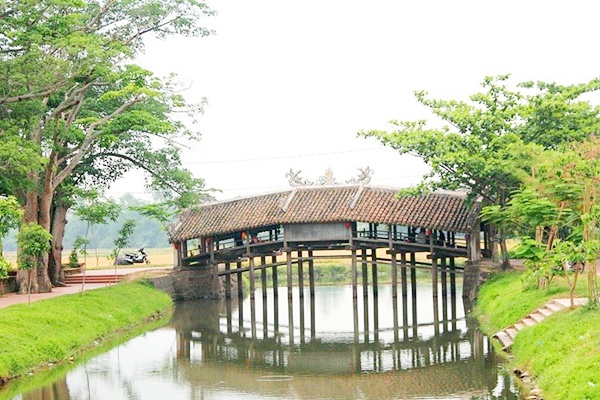 le-pont-couvert-Thanh-Toan